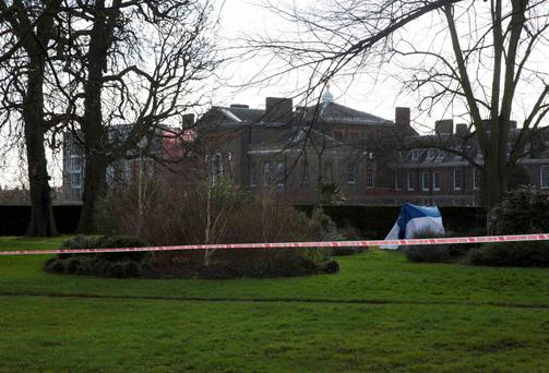 A forensic tent stands near the grounds of Kensington Palace in London yesterday, where a man died after setting himself on fire. Photo: Reuters