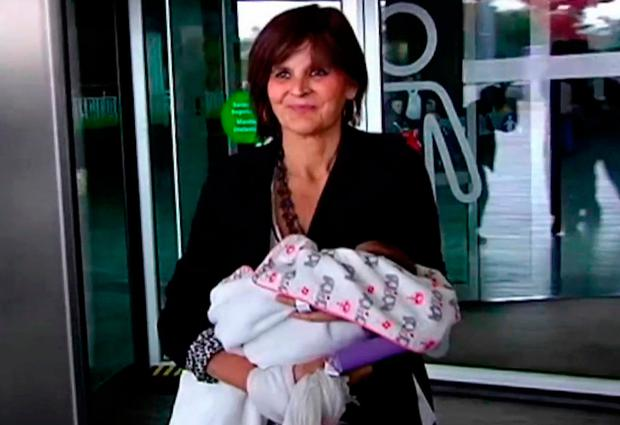 A 62-year-old Spanish woman has given birth to a healthy girl and encourages women in their later years to imitate her if they want to. Photo: AP