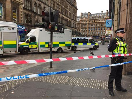 Police outside Glasgow Central Station after a man fell from a window Fraser Knight / @Fraser_Knight
